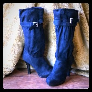 7.5 black faux suede boot new